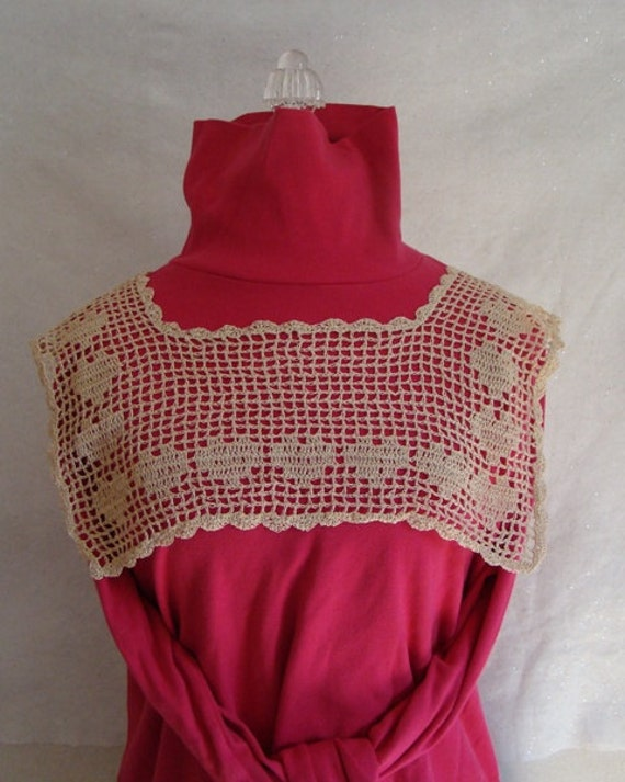 Victorian lace collar, crochet collar, heart necklace, cotton crochet collar, ecru cotton collar, dress accessory, square crochet collar