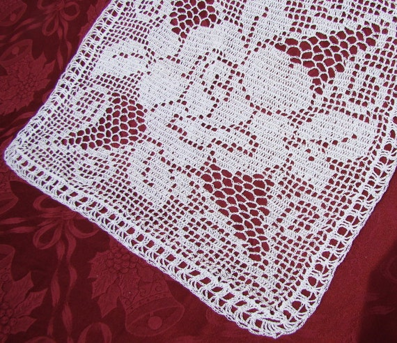 A Rose to Remember filet crocheted doily