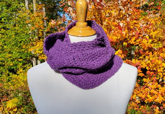 Purple infinity scarf, neck warmer, crochet scarf, mobius crochet scarf, winter cowl scarf, womens infinity scarf, warm winter cowl