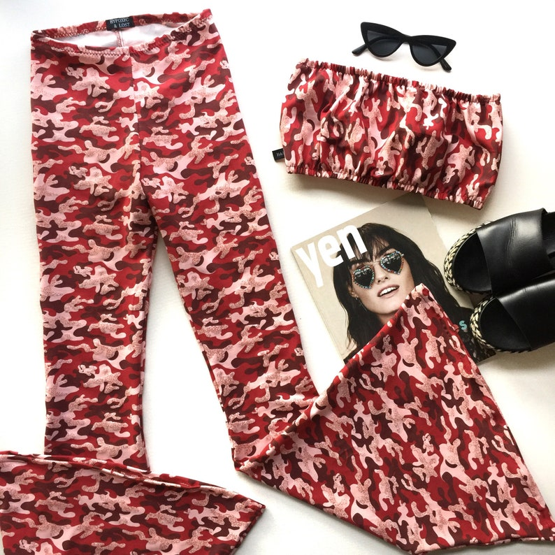 3ad4a114fd7b7 Red camouflage print cropped bandeau top high waisted flares