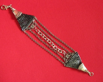 Pewter Finish 5-chain bracelet with right angle beadwork