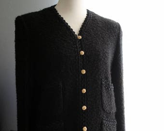 Vintage Blazer / 60s Classic Boucle Knit Pocketed Black Jacket / Jackie Kennedy Style / Gold Buttons /Halloween Black / Small / Long Sleeves