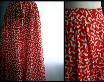 Vintage Maxi Skirt / 80s Vintage Clothing/ Abstract Memphis Graphic Print / Red and White Cotton Skirt
