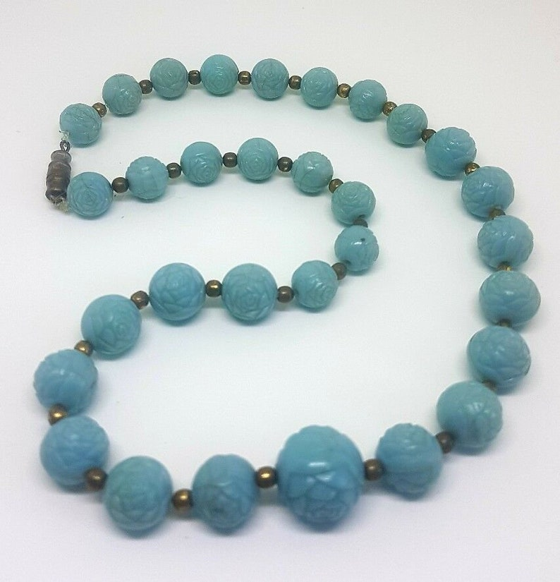 VINTAGE Plastic Rose Beaded Necklace Collar Length Moulded Graduated Duck Egg Blue