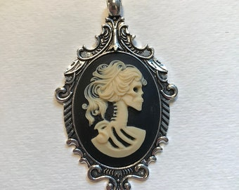 Lady lolita skeleton cameo necklace