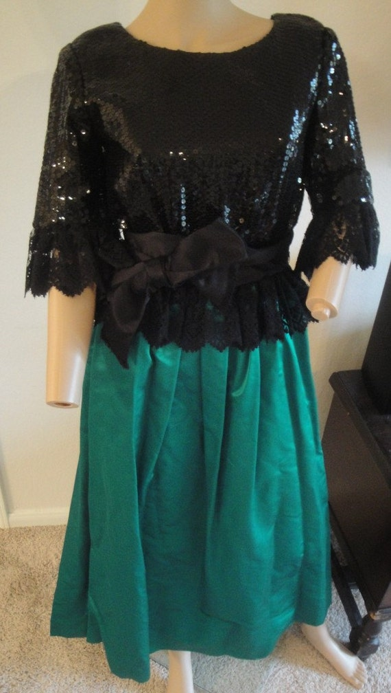 Vintage 60's William Pearson Green Black Sequin Cr