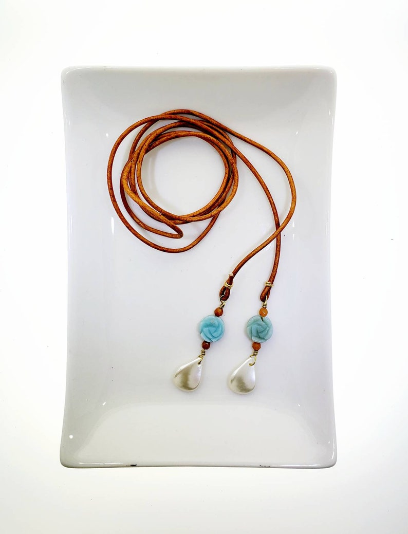 Handcrafted necklace Women/'s lariat necklace delicate blue flower Lariat choker Lasso necklace Leather lariat