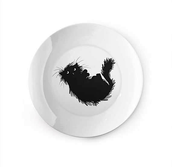Moggy (no.3) - china plate - animal design by Oliver Lake iOTA iLLUSTRATiON