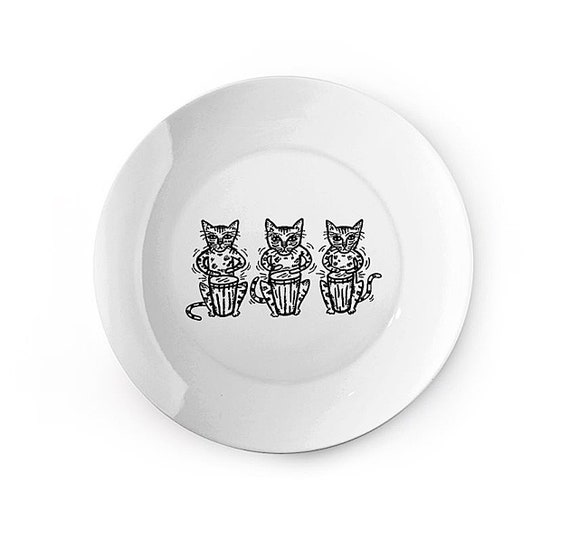 Bengali Bongos - china plate - animal design by Oliver Lake iOTA iLLUSTRATiON