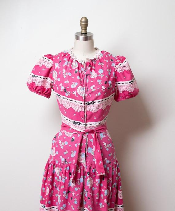1940s Novelty Print Dress - image 2