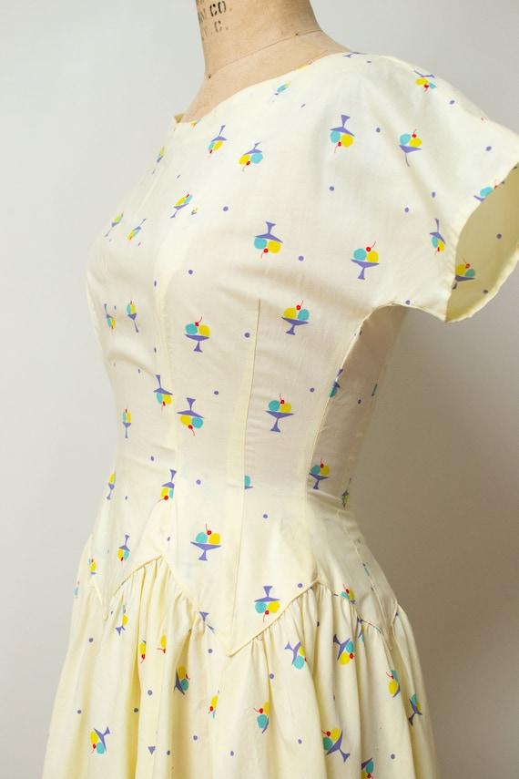 1950s Ice Cream Print Dress | 50s Novelty Print S… - image 2