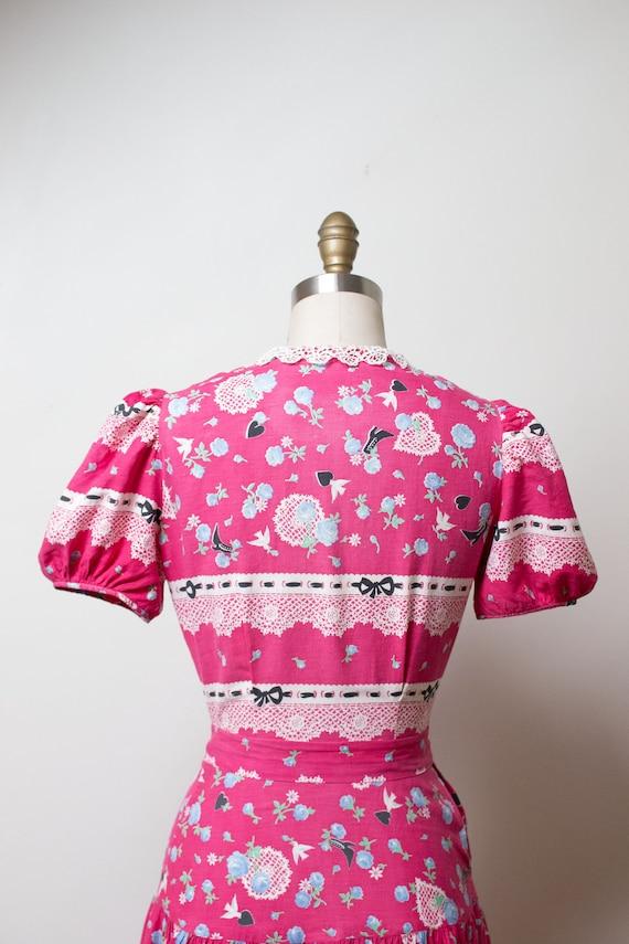 1940s Novelty Print Dress - image 8