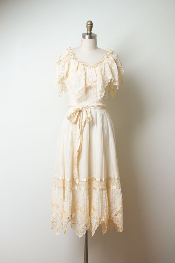 1980s Cream Lace Handkerchief Trim Dress