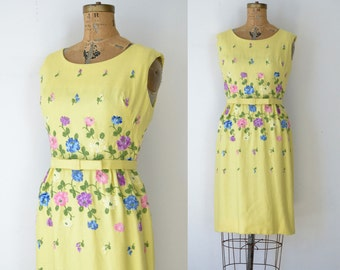 1950s Embroidered Wiggle Dress / 50s Yellow Floral Dress