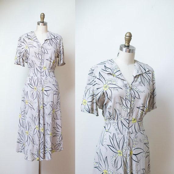 1940s Gray Floral Print Dress