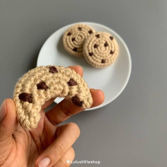 Crochet cream filled cookies