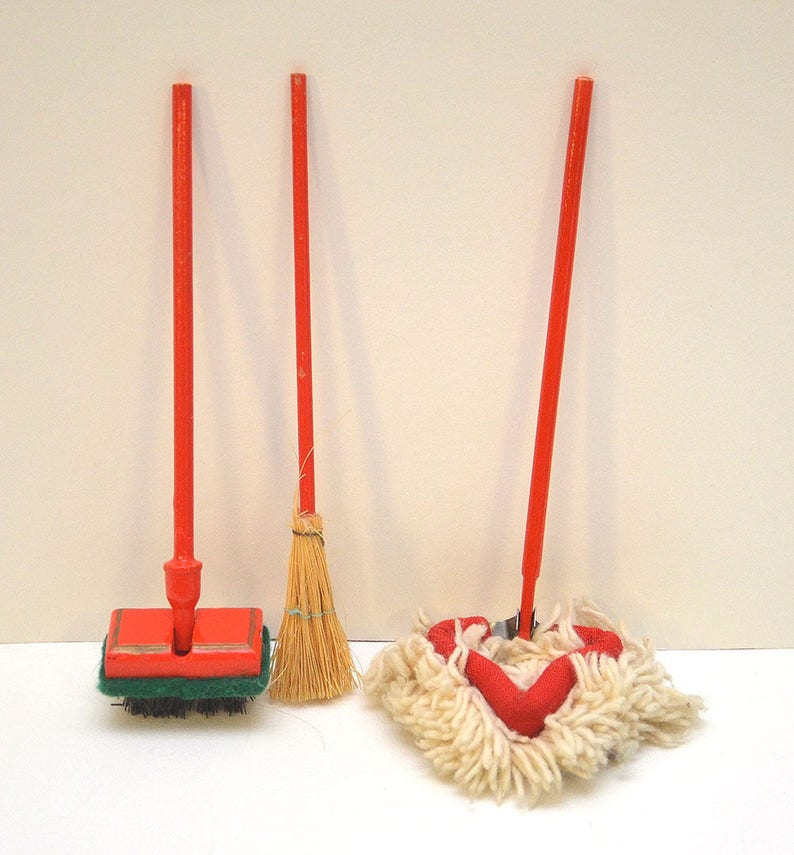 1940s/50s Vintage Antique BODO HENNIG Doll's House Cleaning Mop, Broom Wax  Duster Brio Lundby Furniture Modern Kitchen Hanse BLEUETTE-sized