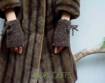 INNER WILD Mori Cuffs Knitting PATTERN - one easy-knit pattern, so many styles, {+ featured in Outlander}