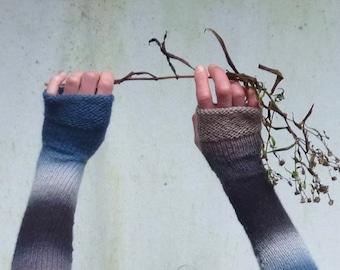 INNER WILD Wabi Sabi Gauntlets Knitting PATTERN easy-to-knit fingerless gloves