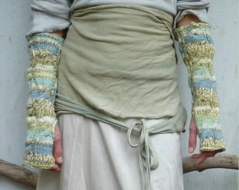 INNER WILD Waterlily Arm Warmers Knitting PATTERN easy-to-knit cabled fingerless mitts