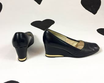 a448f7578bd48 Gold tipped heels   Etsy