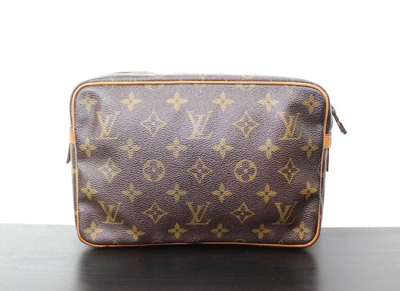 e8b3b798c2 Vintage Louis Vuitton Compiegne 23 Pochette cosmetici borsa | Etsy
