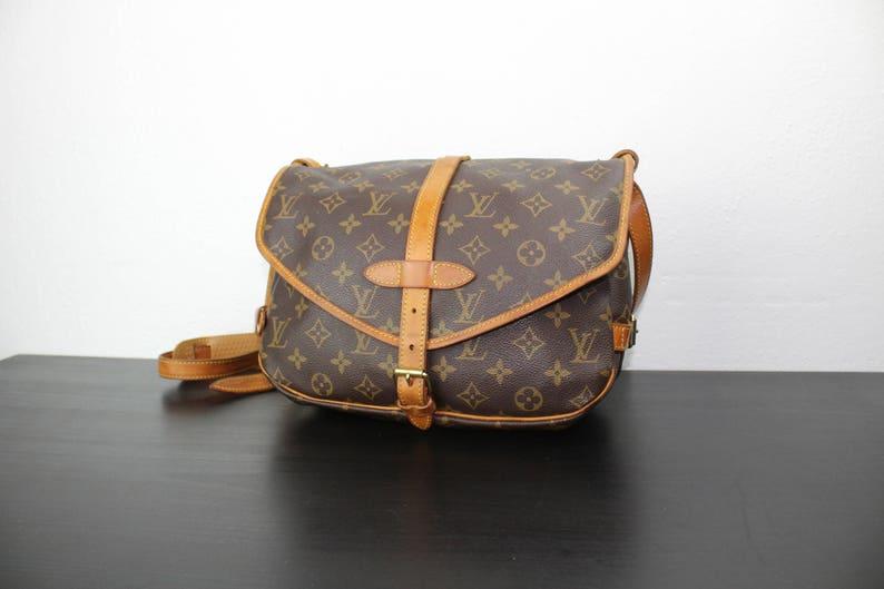 b89374085eca3 Vintage Louis Vuitton Saumur 30 Cross Body Messenger torba | Etsy
