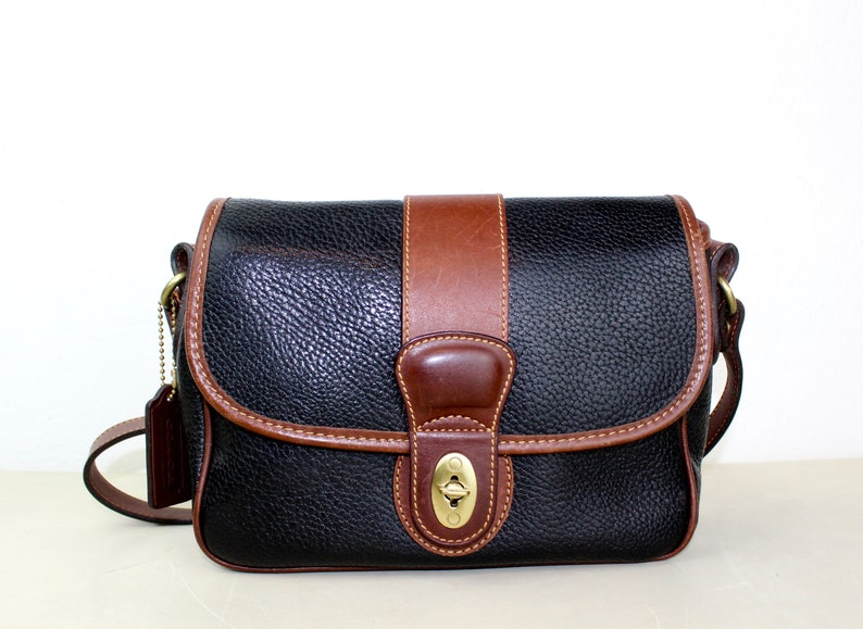 Vintage Coach Sheridan Messenger Cross body Bag Navy and  3a030a5ca01b5