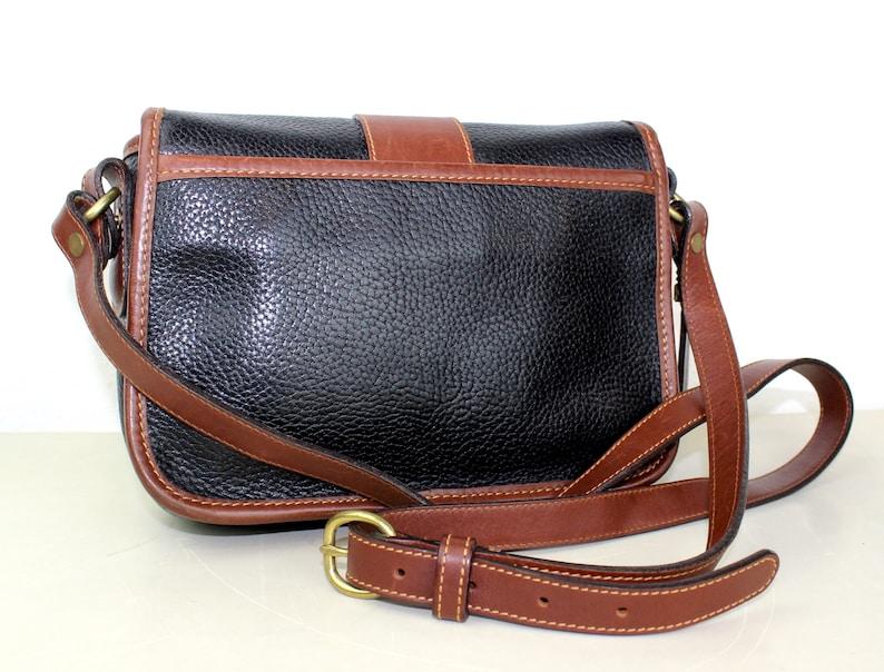 dd0e3dd760e6 Vintage Coach Sheridan Messenger Cross body Bag Navy and