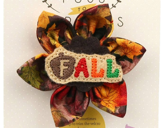 Autumn Dog Bow - Acorn Fall on Autumn Leaves - Flower - Collar Blossom - Medium Size