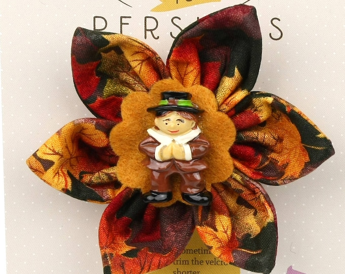 Autumn Dog Bow - Pilgrim Boy on Autumn Leaves - Flower - Collar Blossom - Medium Size