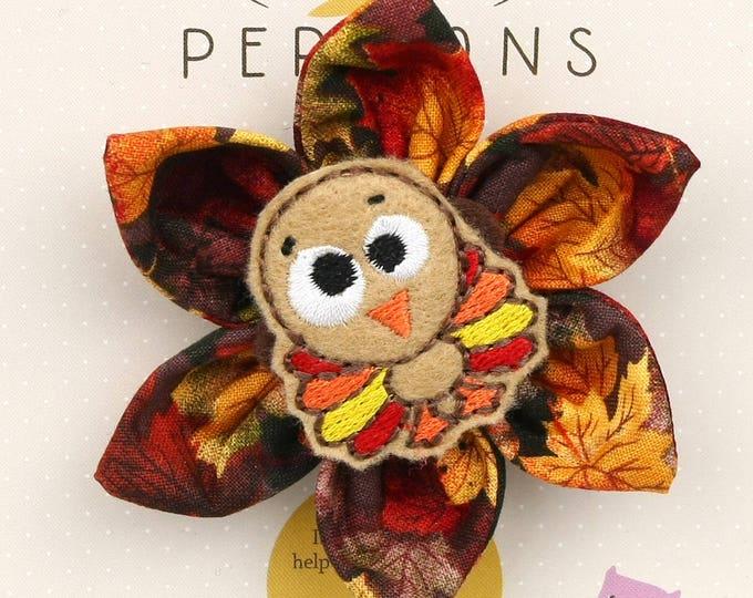 Autumn Dog Bow - Cute Turkey on Autumn Leaves - Flower - Collar Blossom - Medium Size