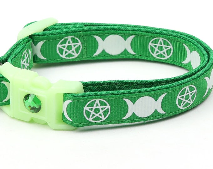 Wicca Cat Collar - Witch's Familiar on Green  - Breakaway Cat Collar - Kitten or Large size - Glow in the Dark