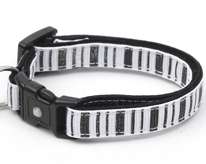 Striped Cat Collar - Spooky Stripes on White - Kitten or Large Size - Halloween Cat Collar