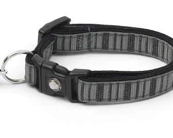 Striped Cat Collar - Spooky Stripes on Gray - Kitten or Large Size - Halloween Cat Collar B94D137