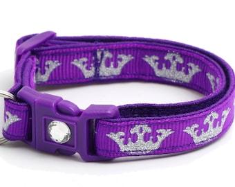 Silver Crowns on Purple - B127D188