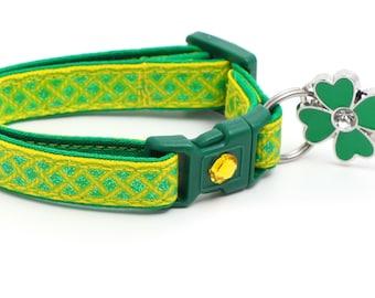Celtic Knots on Yellow B50D207