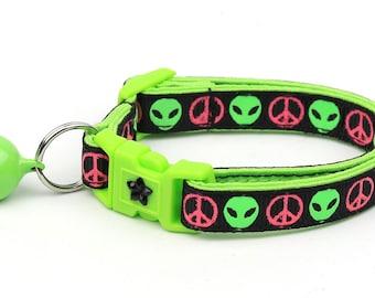 Alien Cat Collar - I Come in Peace - Breakaway Cat Collar - Kitten or Large size