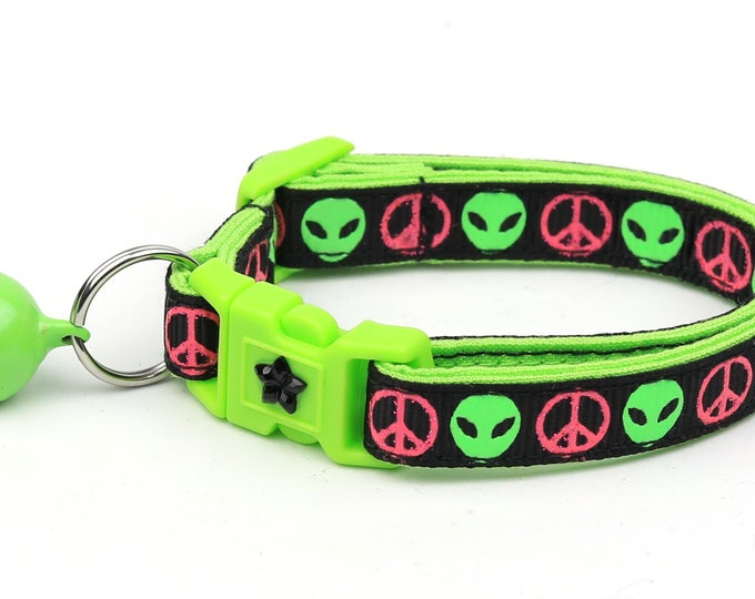 Alien Cat Collar - I Come in Peace - Breakaway Cat Collar - Kitten or Large size