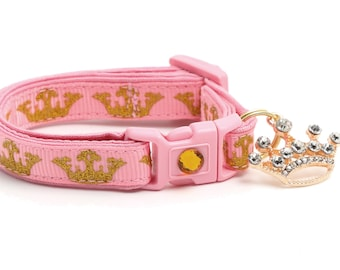 Gold Crowns on Pink - B35D245