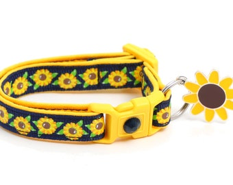Summer Sunflowers on Navy - B130D134