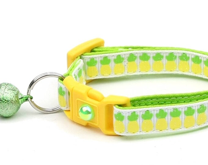 Fruit Cat Collar - Pineapples on White - Small Cat / Kitten Size or Large Size