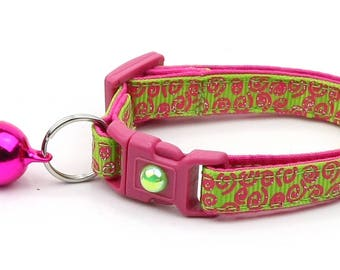 Green Cat Collar - Pink Squiggles on Bright Green - Pink Swirls on Green - Doodles - Kitten or Large Size