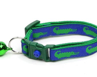 Alligator Cat Collar - Alligators on Royal Blue - Small Cat / Kitten Size or Large Size B67D148