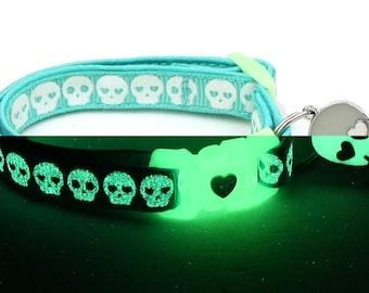 Skull Cat Collar - Glowing Skulls on Aqua - Safety Breakaway - Small Cat / Kitten or Large Cat Collar - Glow in the Dark