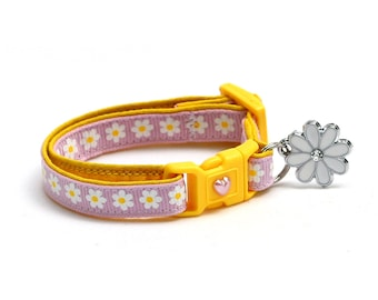 Flower Cat Collar - White Daisies on Light Purple - Small Cat / Kitten Size or Large Size