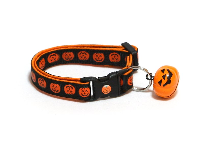 Halloween Cat Collar  Alternating Jack-O-Lanterns on Black Orange Pumpkin Bell