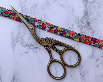 Stork Embroidery Scissors, Antique Gold, Needlepoint Scissors, Crane Thread Scissors, Thread Snips, Cross Stitch Scissors, Gifts for Sewers