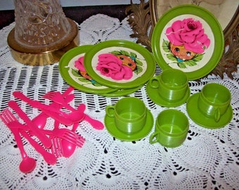 Vintage Merry Toys Plastic Dishes tea Set Utensils Pink & Green Mrs. Merry