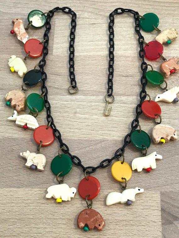 in uso durevole speciale per scarpa negozio di sconto Collana di plastica piccoli animali primi Vintage multi colori